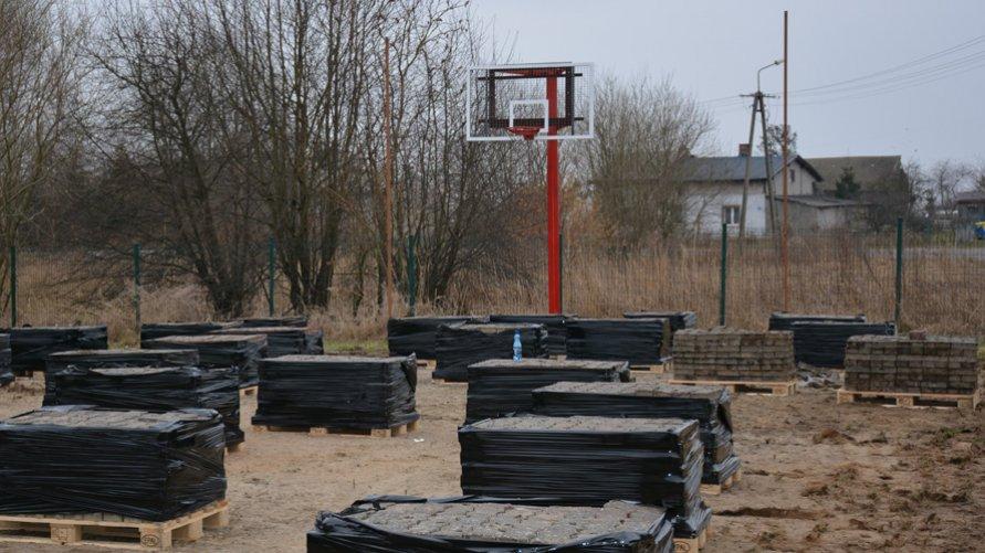 Modernizacja boiska w Starym Borku.